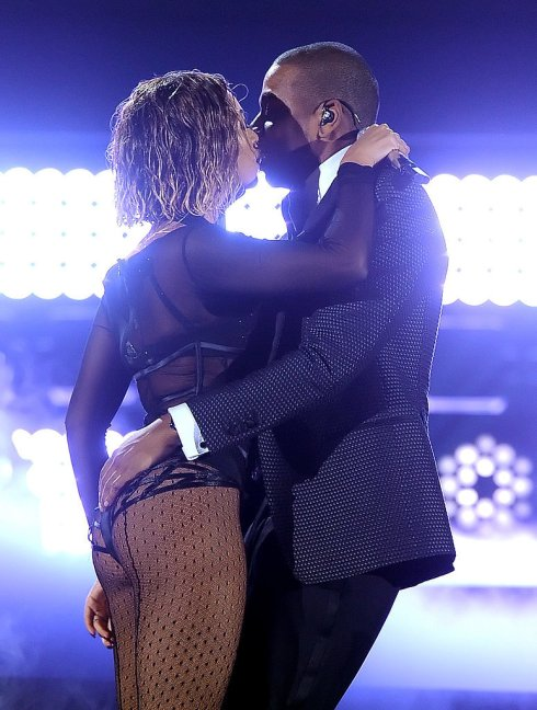 "A ""Drunk in Love"" Beyoncé at the '14 Grammys!"