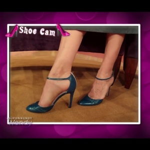 A quick pose for the Wendy shoe cam!